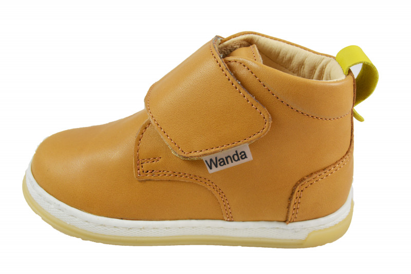 32946279edb6 Detská celoročná obuv vzor  632 404010. Detská celoročná kožená obuv.  Výrobca  Wanda Slovakia ...
